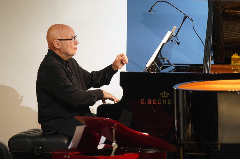 Dennis Russel Davies